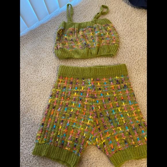 Brand New knitted 2pc shirt/Capri set